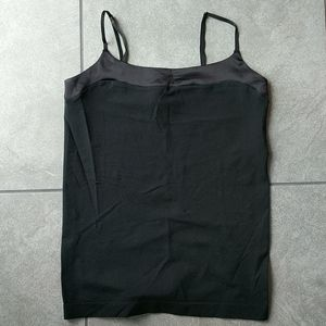 Great layering camisole. Nearly Perfect. Sz Med
